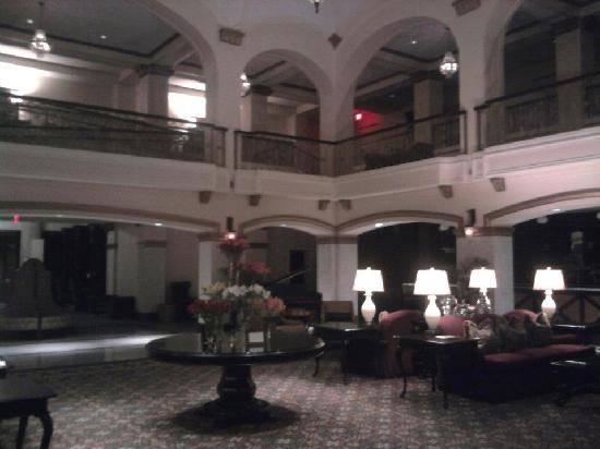 Hotel Blackhawk, Autograph Collection: Inside reception area