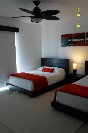 Pure Mareazul: первая спальня