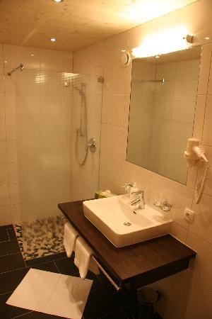 Pension Arlenweg : Badezimmer