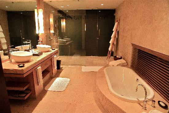 Rosewood Mayakoba: Master Bath