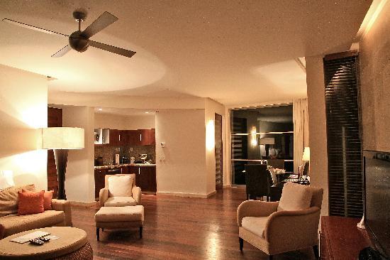 Rosewood Mayakoba: Living / Dining Area & Butler Pantry