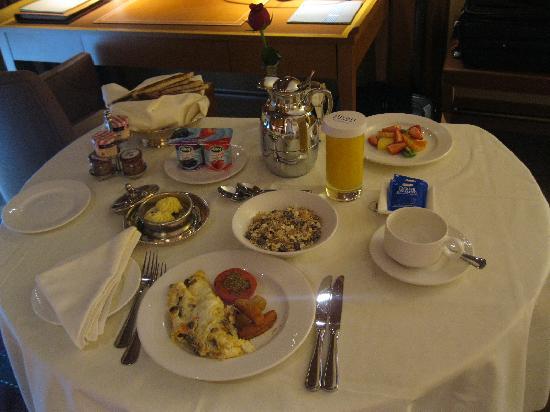 Divan Istanbul: Room Healthy Breakfast