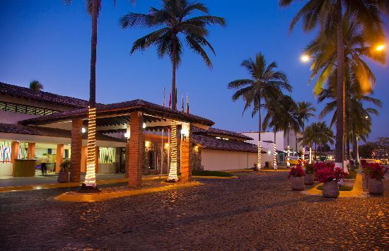 Plaza Pelicanos Club Beach Resort: Exterior Plaza Pelicanos Club