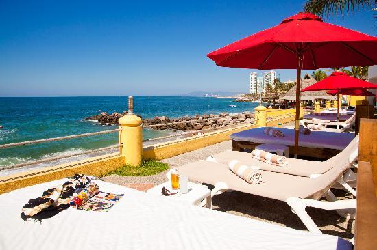 Plaza Pelicanos Club Beach Resort: Asoleaderos Plaza Pelicanos Club