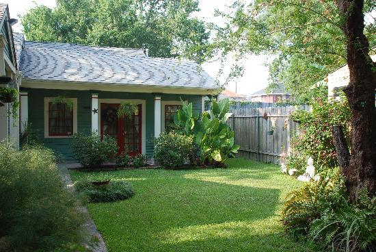 Audubon Garden Cottage: Cottage Exterior