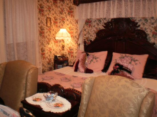 Alling House Bed and Breakfast: The beautiful Rose Room