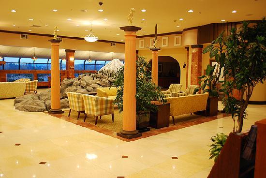 Baymont Inn and Suites Bremerton/Silverdale: Lobby Area