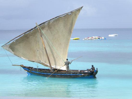 Zanzibar Watersports: Local boat