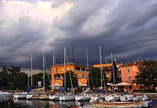 Hotel Vela d'Oro: Vela d'Oro from the pier