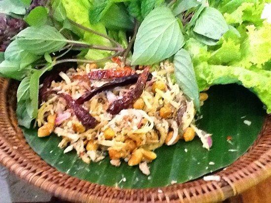 Gallery Cafe Thai Restaurant : thai tuna salad