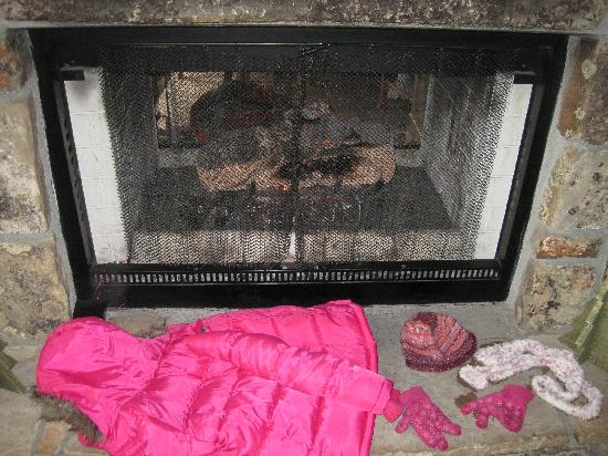 Wild Horse Inn: drying my daughter's cost and gloves by the fire