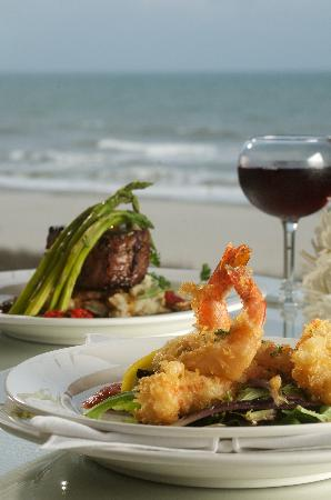 The Patricia Grand, Oceana Resorts : Grand Central Station Restaurant provides a spectacular view and mouth-watering entrees prepared
