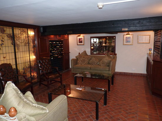 Lyndhurst, UK: cellar bar
