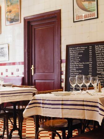 restaurant bordeaux le cochon volant photo de restaurant. Black Bedroom Furniture Sets. Home Design Ideas