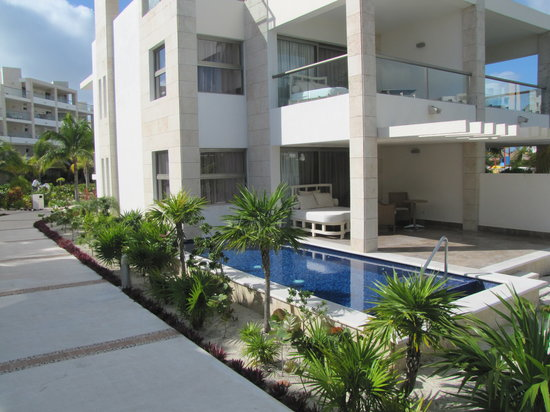 "Beloved Playa Mujeres: Your ""private"" plunge pool"