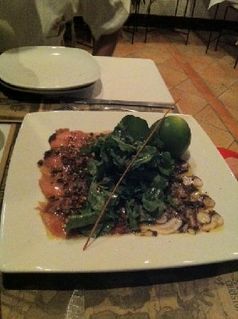 Chez Christophe: Carpaccio of tuna and octopus