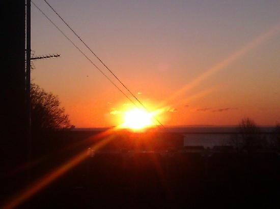 Hubert House Guesthouse: Sun rise view