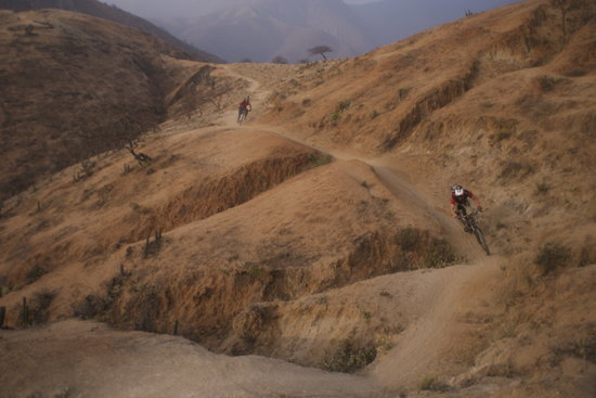 Mountain Bike Tours with Sacred Rides: The spectacular Olleros trail - 11,000 vertical feet of descent!