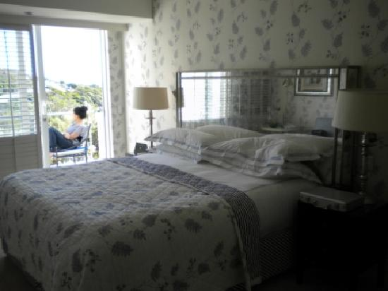 The Twelve Apostles Hotel and Spa: Luxury Guest room