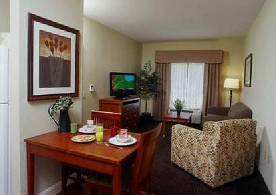 Homewood Suites by Hilton Houston West-Energy Corridor: Suite with separate Living Area