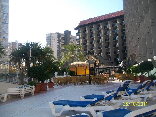 Hotel Marina Resort Benidorm: First level above the pool area