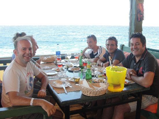 Bamboo House Hotel: Guests enjoying our fine food