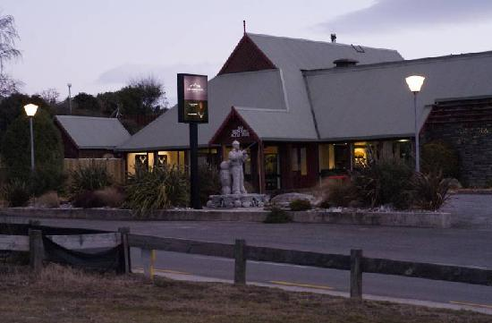 Lake Hawea Hotel Updated 2017 Lodge Reviews Price