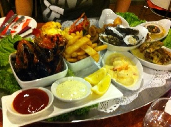 Belmont, Avustralya: Seafood Platter with Cray Fish for 2