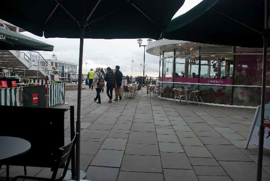 Starbucks Cardiff Mermaid Quay: View from the outside seats