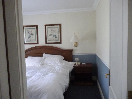 Regency Suites Hotel-Montevideo: Dormitorio