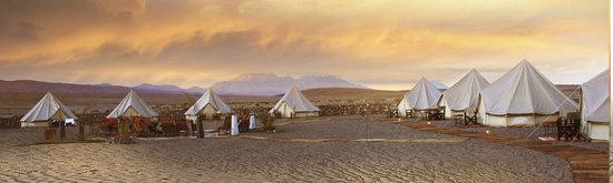Adventurcamp: campamento al atardecer