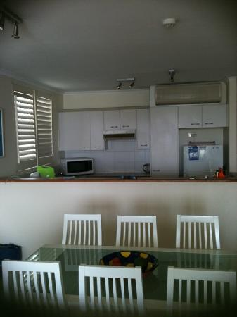 Noosa Quays: Well equipped kitchen