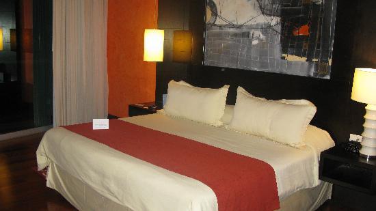 NH Collection Guadalajara Providencia : room