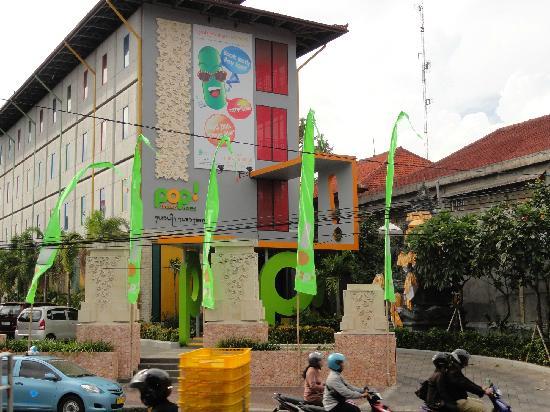 POP! Hotel Teuku Umar Denpasar: View from street