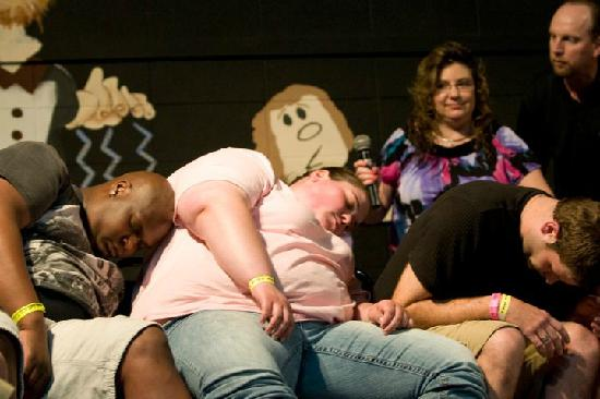 Dells Comedy Club : Hypnosis