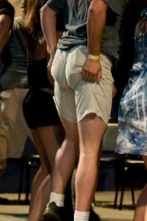Dells Comedy Club : He Loves a Wedgie!