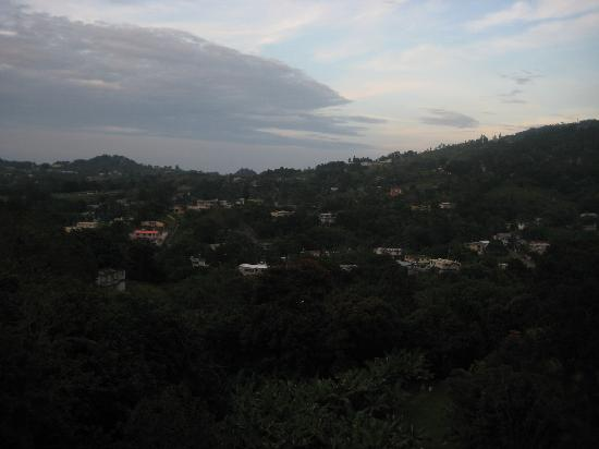 Lechonera El Rey: View of Guavate from my seat