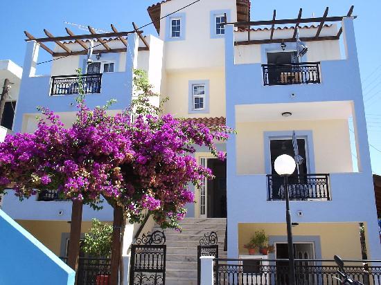 Athinas Studios Apartments: www.athinas-studios.gr