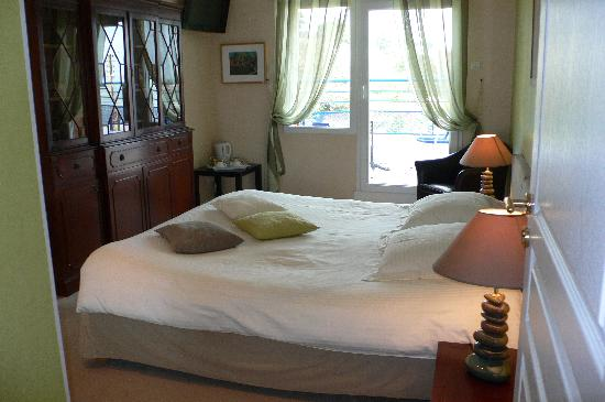 Evel Er Gêr : chambre avec balcon et vue sur mer