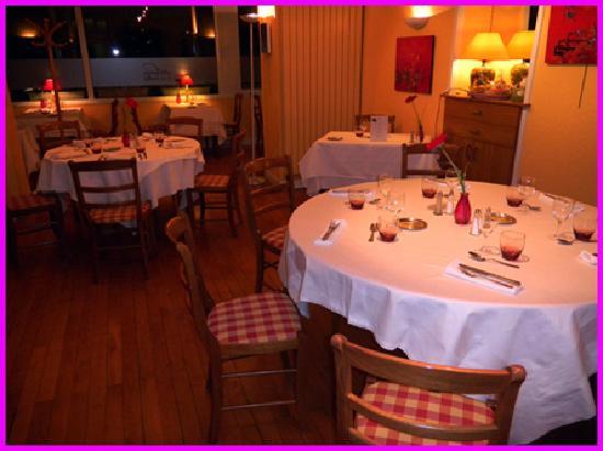 Auberge Saint Simond - Hotel - Aix-les-Bains : cozy dining