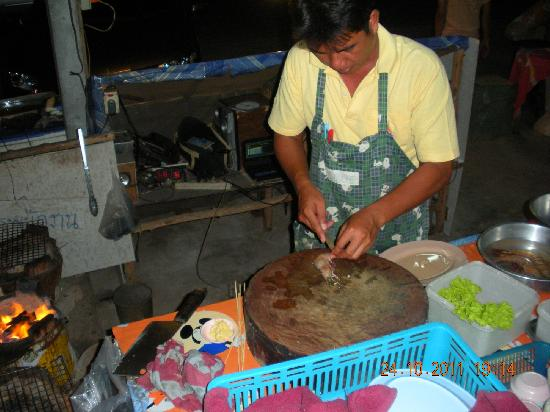 Rimhad Seafood: Preparing Tiger Prawns