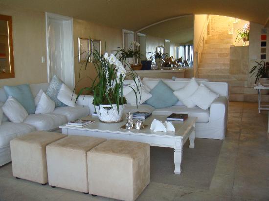 Atlantic Suites Camps Bay : vue de l'intérieur de la maison