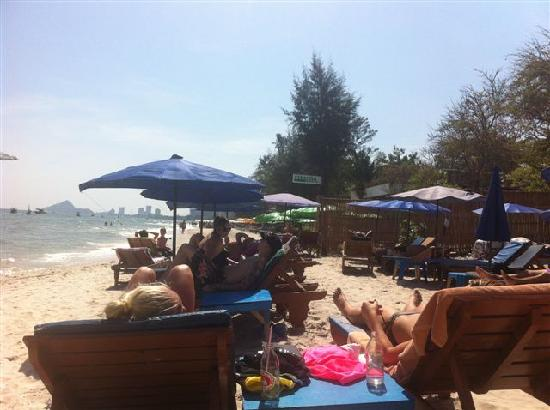 Nilawan Guest House Hua Hin: Beach view