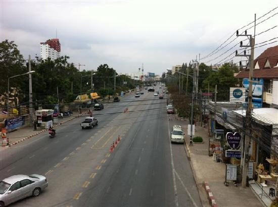 Nilawan Guest House Hua Hin: Main street view (North)