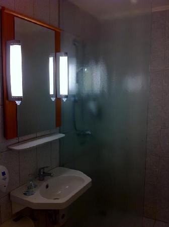Ibis Hotel Eisenach: Badezimmer
