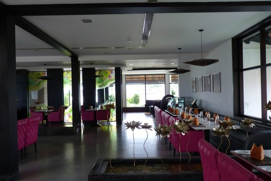 Citrus Retreats Alleppey: Part of dining area