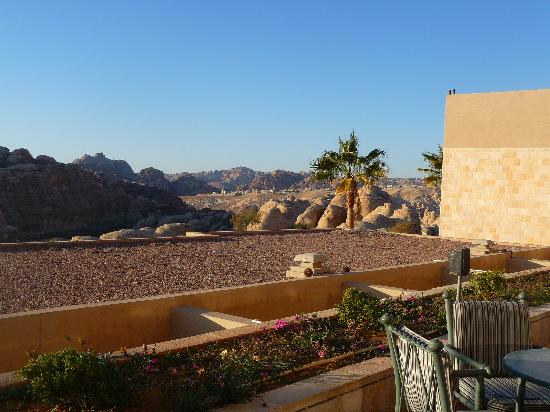 Crowne Plaza Resort Petra: The view from the swimming pool