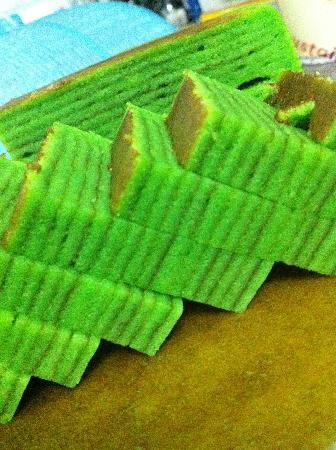 Aloha delicatessen.bakery: Kek Lapis, Sarawak Famous layered cake