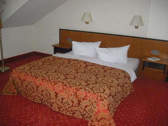 HEP Hotel Berlin : The bed
