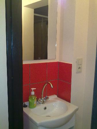 Hostel La Guitarra : private bathroom